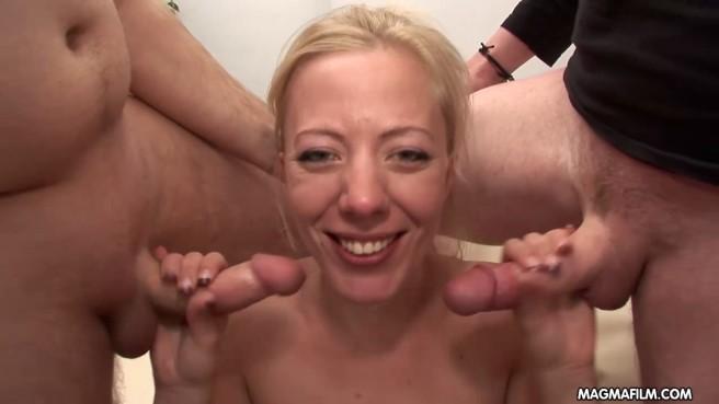 porno-zhestko-konchayushie-zhenshini-ot-igrushek-devchonki-foto-porno